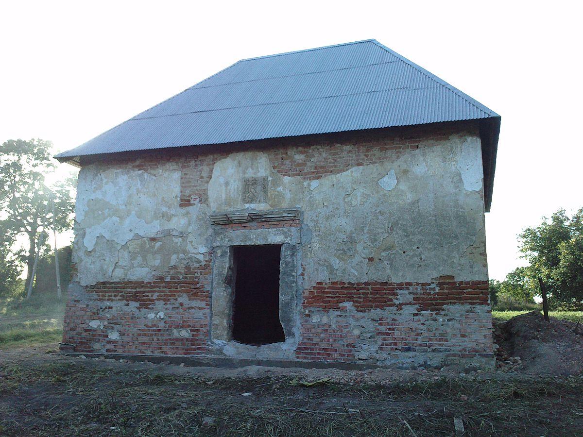 Zabytkowy zbór ariański z XVII w.