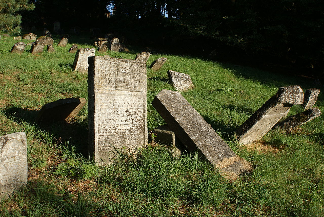Šafov cemetery 13.JPG