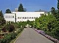 Институт за воћарство и виноградарство у Чачку.JPG
