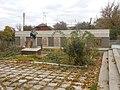 Муровані Курилівц Братська могила 155 воїнів радянської Армії, загиблих при звільненні селища.jpg
