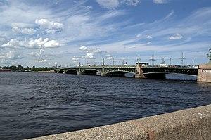 Троицкий (Кировский) мост в Петербурге.jpg
