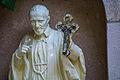 פסל בבית התפילה.jpg