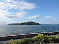 対岸から望む馬島.JPG