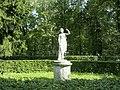037. Павловский парк. Статуя Танцовщица.jpg
