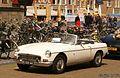 1965 MG B Roadster (14320206964).jpg