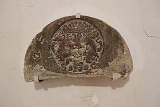 Relief médiéval avec visage (Musée de Die)
