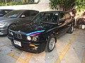 1988-1989 BMW 316i (E30) Sedan (07-02-2018) 01.jpg