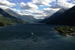 2006-07-30 - Canada - Alberta - Waterton-Glacier International Peace Park - Waterton Lakes National Park - Waterton - Prince of Wales Hotel.jpg