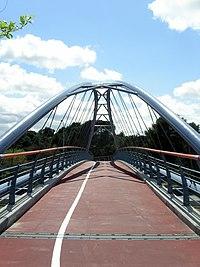 2008-04-13 Puente ciclista del anillo verde sobre la A6 - panoramio.jpg