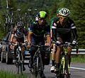 2014 Giro d'Italia, pantano helpt quintana een handje (17166590723).jpg