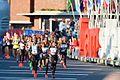 20161016 Amsterdam Marathon - kopgroep verlaat het stadion.jpg