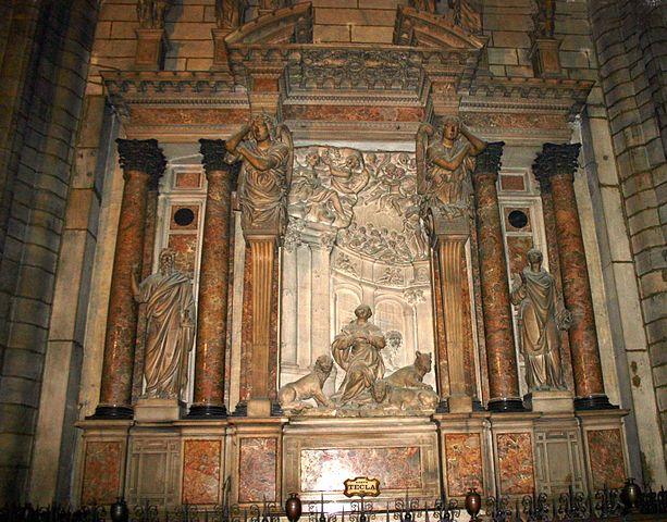 https://upload.wikimedia.org/wikipedia/commons/thumb/6/65/3389_-_Milano_-_Duomo_-_Transetto_sin_-_Altare_di_S._Tecla_-_Foto_Giovanni_Dall%27Orto%2C_6-Dec-2007.jpg/613px-3389_-_Milano_-_Duomo_-_Transetto_sin_-_Altare_di_S._Tecla_-_Foto_Giovanni_Dall%27Orto%2C_6-Dec-2007.jpg