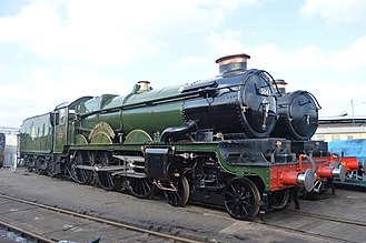 Vintage Trains - Image: 5043 Earl of Mount Edgcumbe parked up around the turntable