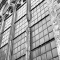 5e hoge westelijke raam zuidzijde schade tufsteen restauratie 1930 - Dordrecht - 20061112 - RCE.jpg
