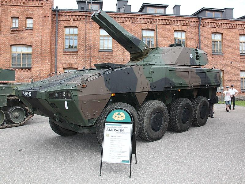 Tiedosto:AMOS Patria AMV Lippujuhlan päivä 2014 1.JPG
