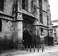 A Fekete templom bejárata. Fortepan 73424.jpg