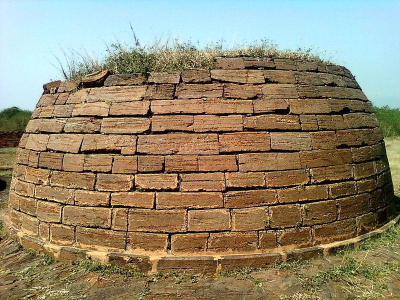 File:A stone stupa at Bavikonda, Visakhapatnam.jpg