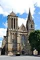 Abbatiale Saint-Pierre de Saint-Pierre-sur-Dives.jpg