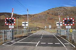 Acheilidh No2 level crossing (13175992464).jpg