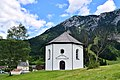 Achenkirch - Annakapelle - im Hintergrund Pfarrkirche und altes Widum.jpg