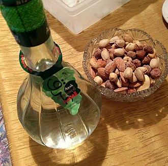 Arak (drink) - Image: Al Ankoud Arak from Homs IMAG3437