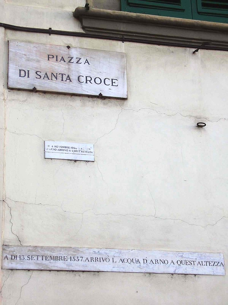 Flooding plates in Piazza Santa Croce