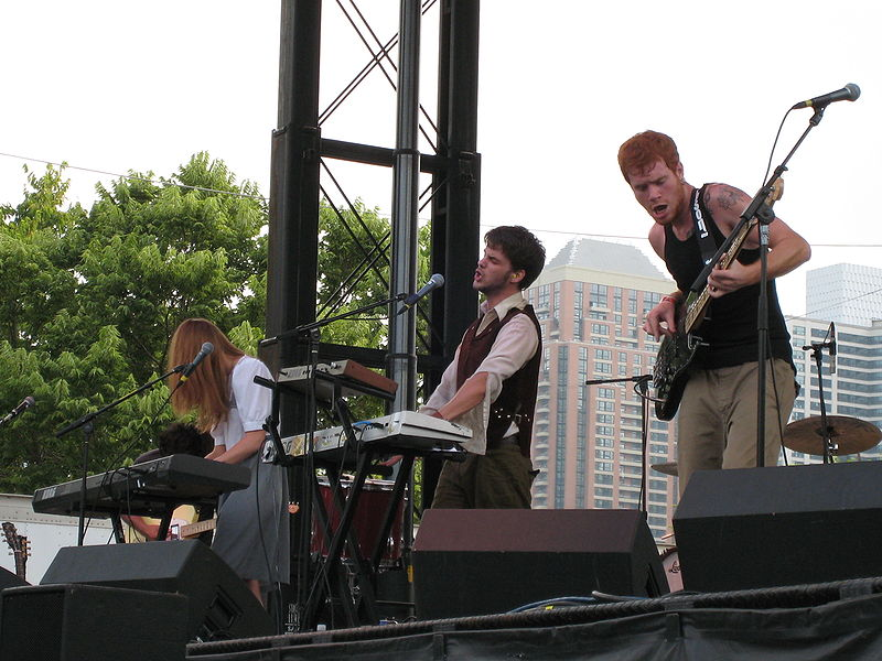 File:Annuals-Lollapalooza 2007.jpg