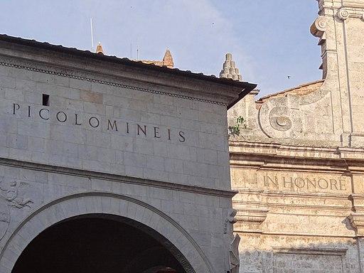 Architectural detail Le Logge del Papa, Siena