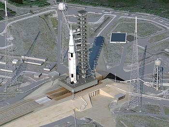 English: Artist Concept of SLS on Launchpad Th...