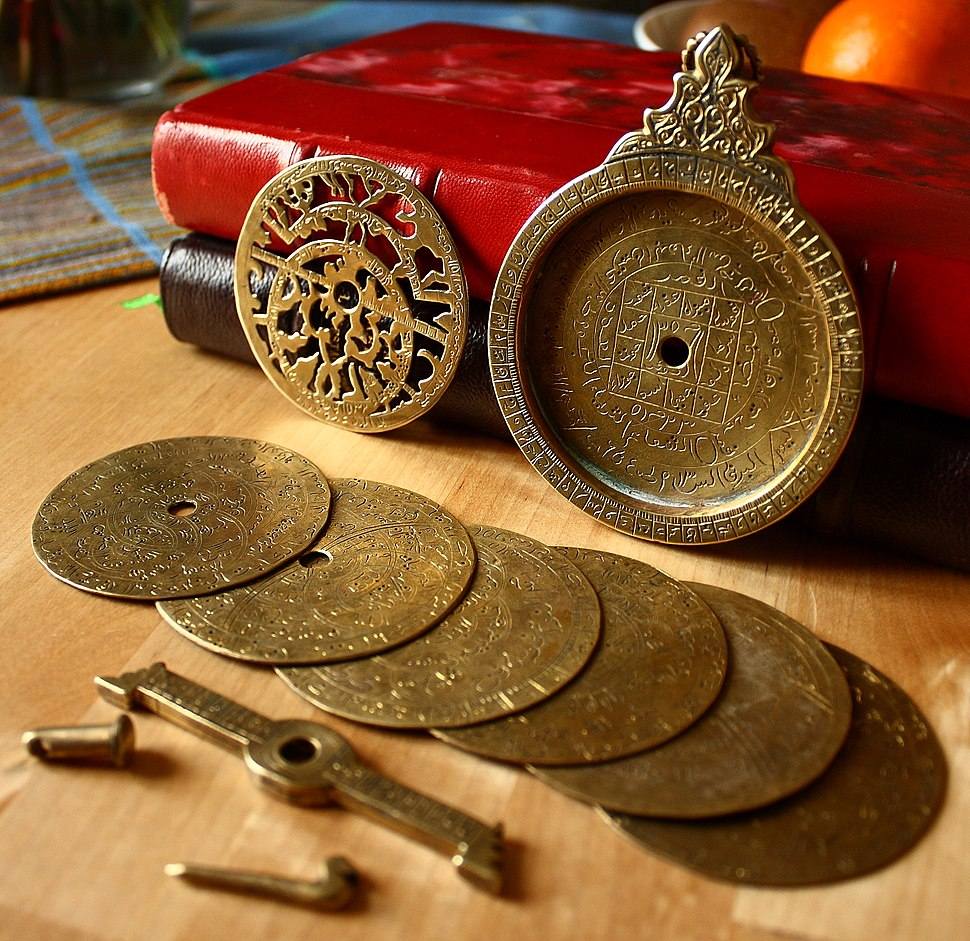 Astrolabe, 18th century, disassembled.jpg