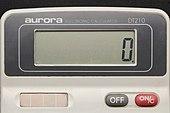 Aurora electronic calculator DT210 07.jpg