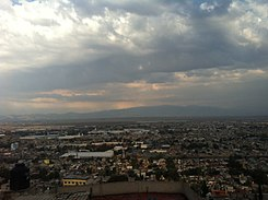 https://upload.wikimedia.org/wikipedia/commons/thumb/6/65/Autopista_M%C3%A9xico_Pachuca_vista_desde_Lomas_de_San_Carlos.JPG/245px-Autopista_M%C3%A9xico_Pachuca_vista_desde_Lomas_de_San_Carlos.JPG