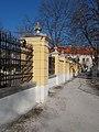 Az Érseki palota, kerítése a Kanonokház felé nézve, 2019 Kalocsa.jpg