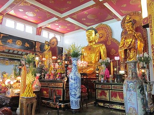 Bái Điện chùa Vĩnh Nghiêm