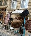 Bakl şəhəri, içəri şəhər, milli papaqların tikilməsi mağazası.jpg