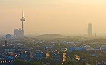 Ballonfahrt über Köln - Colonius, Herkulesberg und KölnTurm-RS-3950.jpg