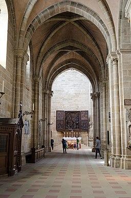 Bamberger Dom, südliches Seitenschiff, Blick nach Westen zum Veit-Stoß-Altar