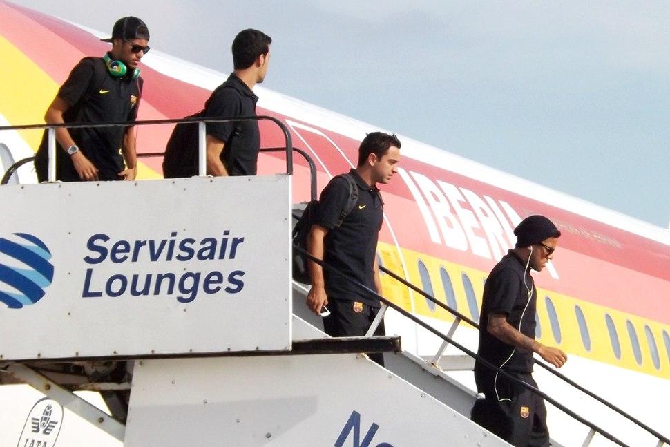 Barcelona FC arriving Glasgow (10036918023)