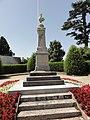 Beaumont-sur-Sarthe (Sarthe) monument aux morts (01).jpg