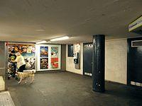 Berlin - U-Bahnhof Turmstraße (9487934827).jpg