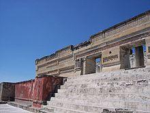[Bild: 220px-BestConservedBuilding-Mitla-Oaxaca-Mexico.jpg]