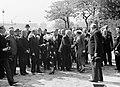 Bijeenkomst bij het leggen van een eerste steen voor het Belgische paviljoen voo, Bestanddeelnr 255-8675.jpg
