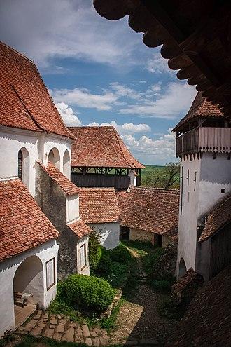 Bunești, Brașov - Image: Biserica Fortificata Ziduri si Biserica