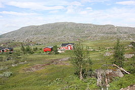 Bjørnfjell mountain and cottages.jpg