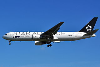 Boeing 767-341ER - Star Alliance (LOT - Polish Airlines) (SP-LPE).JPG