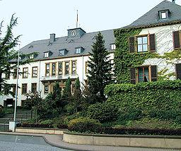Rathaus der Gemeinde Bous