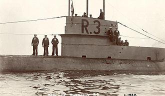 British R-class submarine - Image: British WWI Submarine HMS R3a