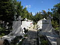 Bucuresti, Romania, Cimitirul eroilor cazuti in Revolutia din Decembrie 1989 (Biserica Eroii Revolutiei) (imagine de ansamblu).JPG