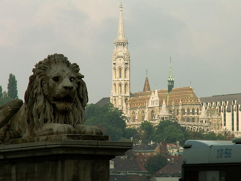 File:Budapest Mátyás Church from the Chain Bridge.jpg