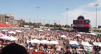 National Buffalo Wing Festival - Image: Buffalo wing fest crowd